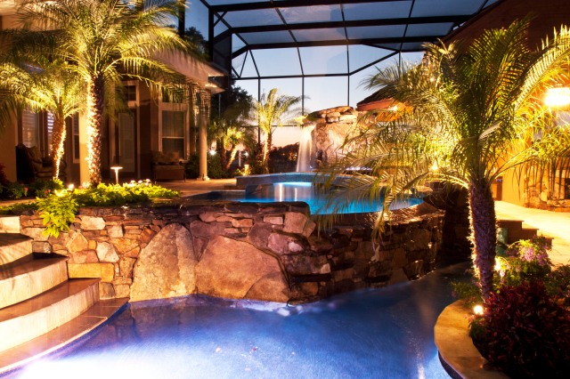 Backyard Swimming Pool Paradise